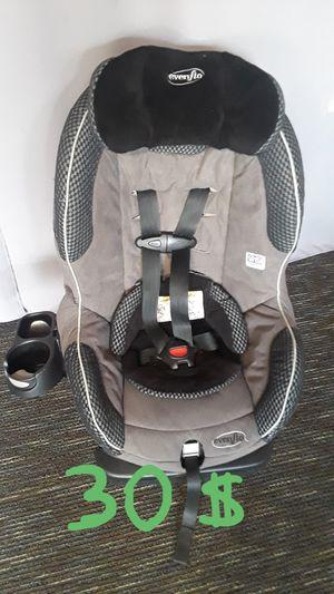 Car seat Evenflo with cup holder. for Sale in Riverside, CA