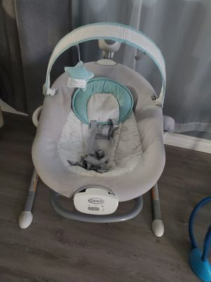 Graco Duet Sway Swing with Portable Rocker for Sale in Los Angeles, CA