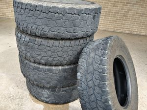 SELLING MY USED TIRES SIZE. 17 for Sale in Houston, TX