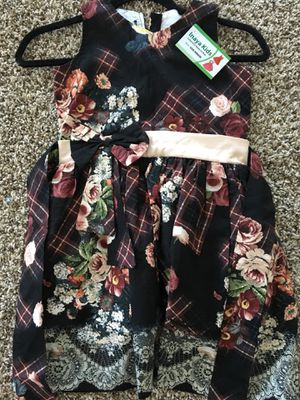 *Brand new* girls dress Size 6 with big flowers , border and belt for Sale in Cedar Park, TX