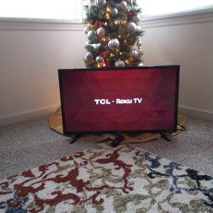 "32 "" TCL ROKU TV WITH REMOTE for Sale in Pontiac, MI"