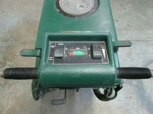 NOBLES AUTOMATIC SCRUBBER 2001 20 INCH FLOOR SCRUBBER - $850 (TROY) for Sale in Troy, MI