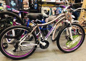 "Genesis 26"" Whirlwind ladies Mountain bike for Sale in College Park, GA"