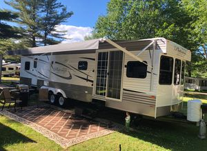 2019 ! 2 power slides Platinum Rv Park trailer 38ft 4 seasons Rv for Sale in Colchester, VT