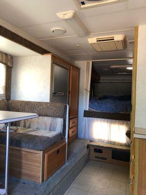 2004-1181 Lance Truck Camper for Sale in Riverside, CA
