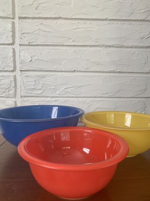 Vintage Pyrex Primary Bowl Set for Sale in Clermont, FL