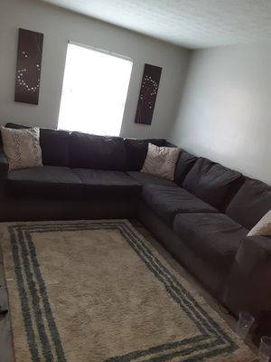 Nice Gray blue Sectional w/ USB chargers... Rug included for Sale in Columbus, OH