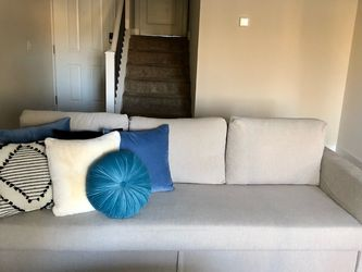Brand New Ikea FRIHETEN Couch - Hyllie beige for Sale in Costa Mesa,  CA