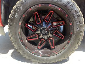 Off roading tires and rims for Sale in Clovis, CA