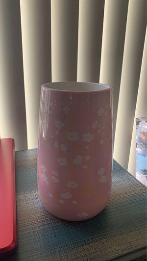 Pink flower vase for Sale in Cerritos, CA
