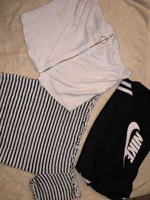 Clothing bundle (xs) for Sale in Auburn, WA