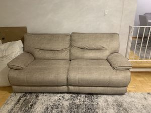Recliner love seat/ couch for Sale in Queens, NY