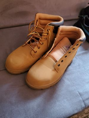 Womens steel toe boot size 8 for Sale in Los Angeles, CA