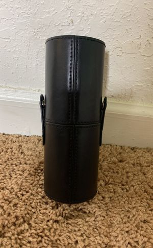 Leather makeup brush case for Sale in Atlanta, GA