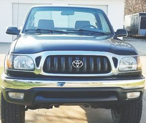 EXCELLENT BODY CONDITION TOYOTA TACOMA 2001 for Sale in Pittsburgh, PA