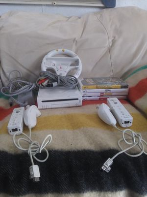 Wii with 4 games for Sale in North Fork, CA