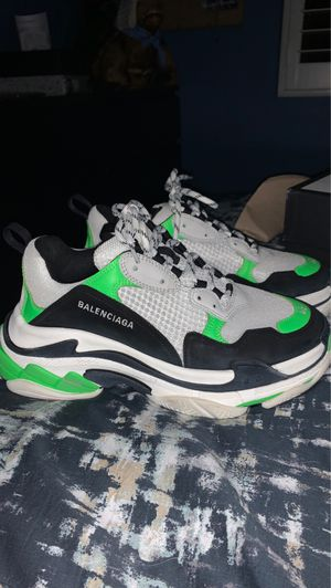 Balenciaga triple S for Sale in Yorba Linda, CA