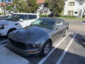 2005 Ford Mustang V6 (KBB; Fair Condition; $2431-$3806) for Sale in Coral Springs, FL