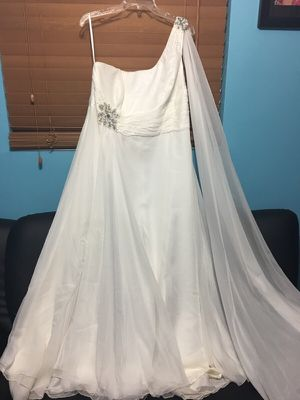 wedding dress for Sale in Hialeah, FL