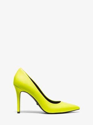 NWT michael kors women shoes size 8.5 Neon Yellow Claire Pointy Toe Leather pump for Sale in Delray Beach, FL