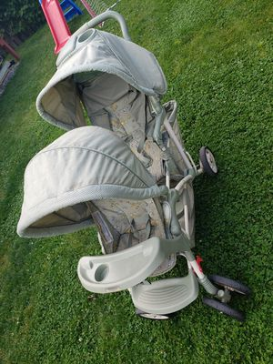 Graco double stroller for Sale in Franklin Park, IL