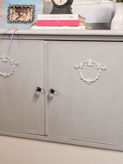 Antique Chest Of Drawers/Cabinet for Sale in Newport Beach,  CA