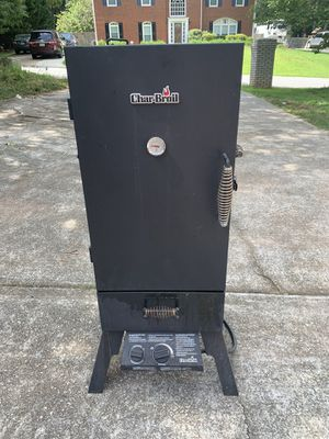 CHAR-BROIL VERTICAL PROPANE GAS SMOKER for Sale in Snellville, GA