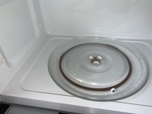 Extra clean whirlpool over the range Microwave oven for Sale in Stockton, CA