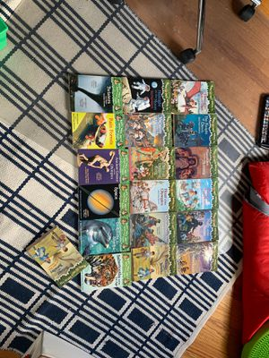 Set of 19 Magic TreeHouse Books for Sale in Chicago, IL