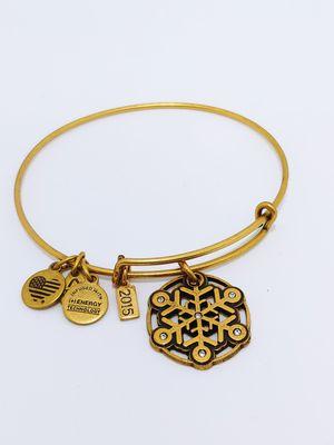 2015 Alex and Ani Snowflake Russian Gold Tone Bracelet for Sale in Miramar, FL