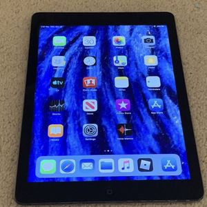 iPad Air 1 16gb wifi // ipad only // EACH $165 // CLEAN & RESETTED // Unlocked iCloud GREAT 🔥 for Sale in Rolling Meadows, IL