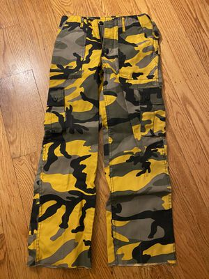 NEVER WORN Urban Outfitters womens camo pants for Sale in San Carlos, CA