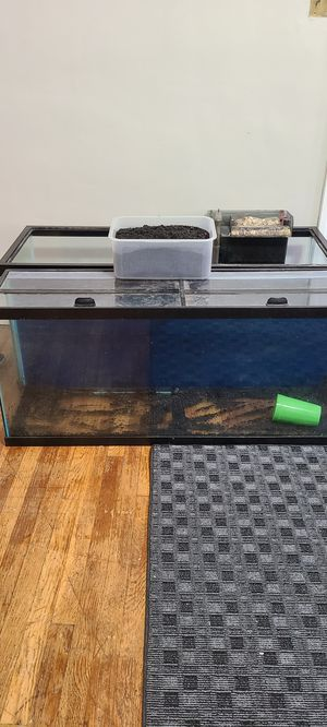 55 gallon aquarium for Sale in Cleveland, OH