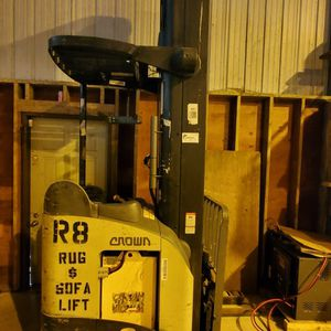 Crown Forklift Rr5200 for Sale in Federal Way, WA