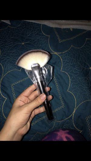 Makeup brush for Sale in Garden Grove, CA
