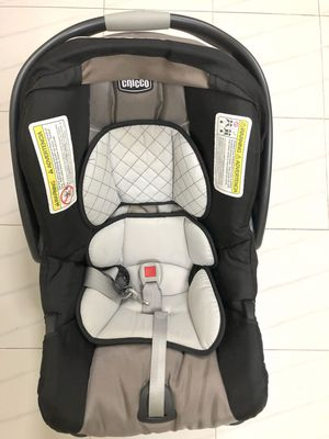 Baby infant car seat chicco keyfit 30 for Sale in Kendale Lakes, FL
