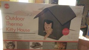 Not a dog house but a kitty house that has heat inside electric heating not gas. for Sale in Hesperia, CA