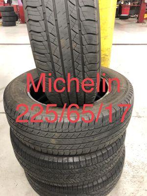 Michelin 225/65/17 for Sale in Long Beach, CA
