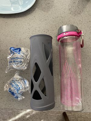 glass water Bottle 20oz and 2x mixing ball -$20 for Sale in San Leandro, CA