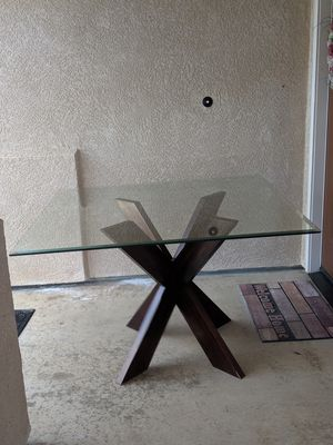 Glass Table for Sale in Guadalupe, CA