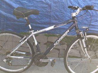 Schwinn Aluminum Bike Size 28 for Sale in Fresno,  CA