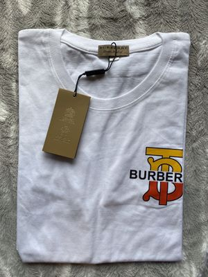 White Burberry t shirt for Sale in Pinecrest, FL