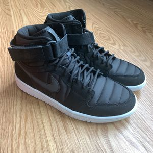 "Nike Mens Air Jordan 1 High Strap ""Padded Black"" size 9 for Sale in Midlothian, VA"