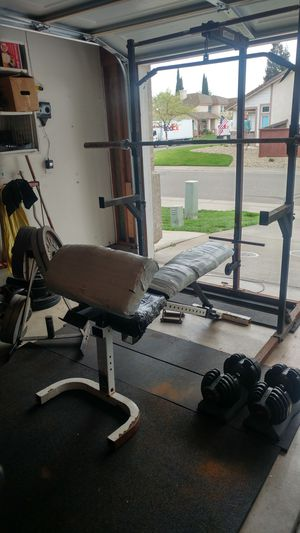 Body-solid Half Rack with Lat pulldown, bench/weight/bar for Sale in Elk Grove, CA