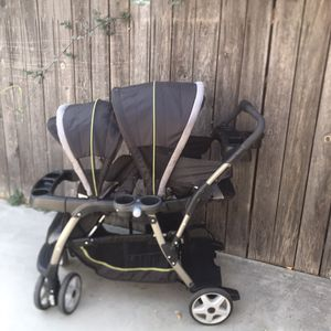 Graco click connect double stroller for Sale in Montclair, CA