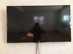 MAGNAVOX 44inch TV! for Sale in San Lorenzo, CA