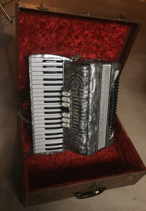 120 bass Pollina Accordion for Sale in Arvada, CO