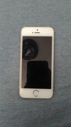 iPhone 5 rose gold open carrier for Sale in Bremerton, WA
