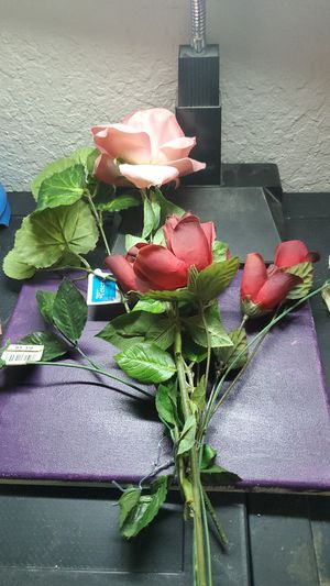 Lot of nine artificial Boutique roses for Sale in Coral Springs, FL