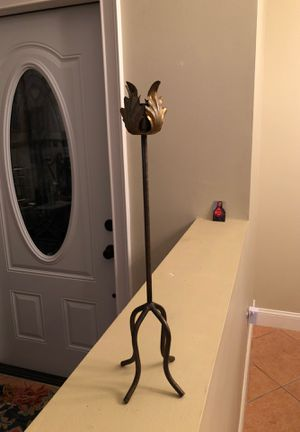 """Iron candle holder 18"""" high for Sale in Pembroke Pines, FL"""